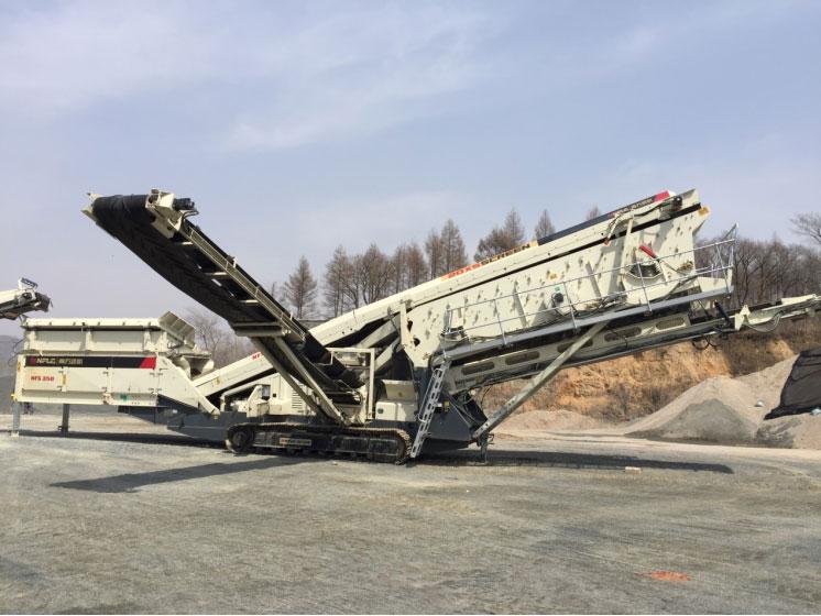 废料淘金 南方路机移动破碎筛分设备应用于吉林沥青铣刨料回收处理
