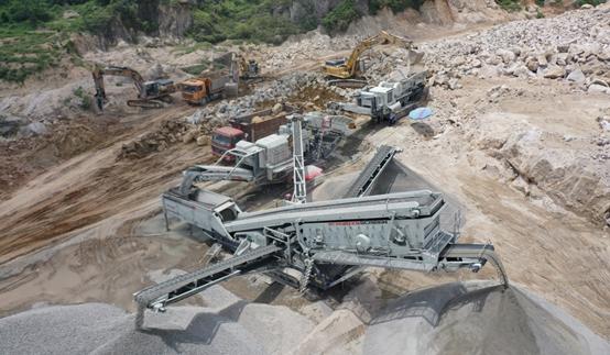 硬岩山地资源化利用利器——南方路机移动破碎筛分设备应用于广东花岗岩骨料加工