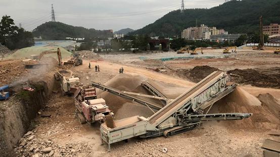 工程土石方資源化利用 南方路機移動破碎篩分設備應用于深圳項目