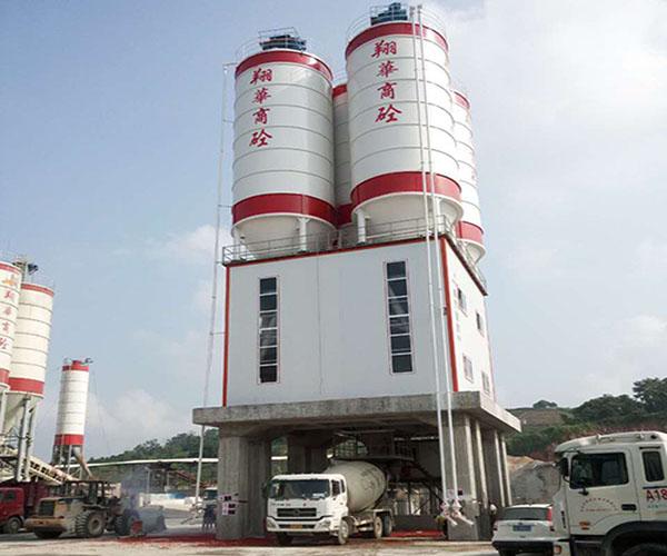 潮州翔华—混凝土粉罐置顶式搅拌站应用
