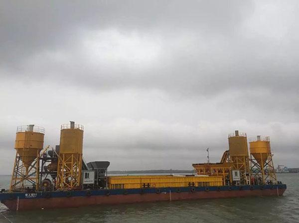 中交四航局三公司—HCS120混凝土攪拌船應用