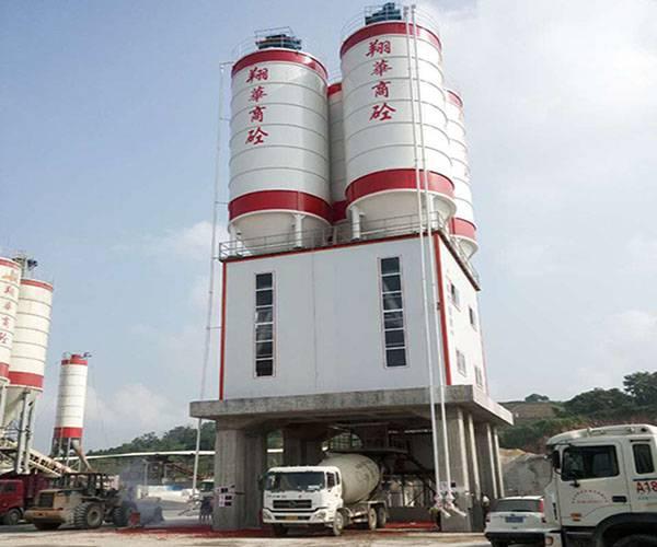 潮州翔華—混凝土粉罐置頂式攪拌站應用