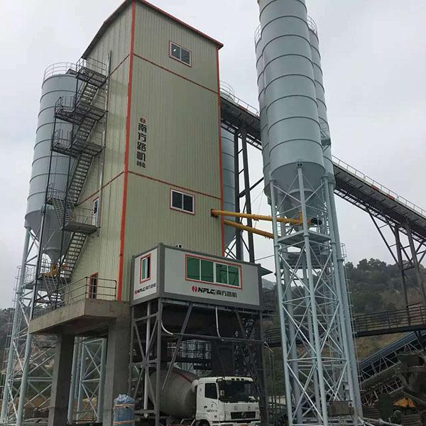 潮州陽光--混凝土攪拌樓HLS270生產線應用