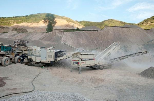 南方路機成套移動破碎篩分站及固定制砂線在華北地區應用